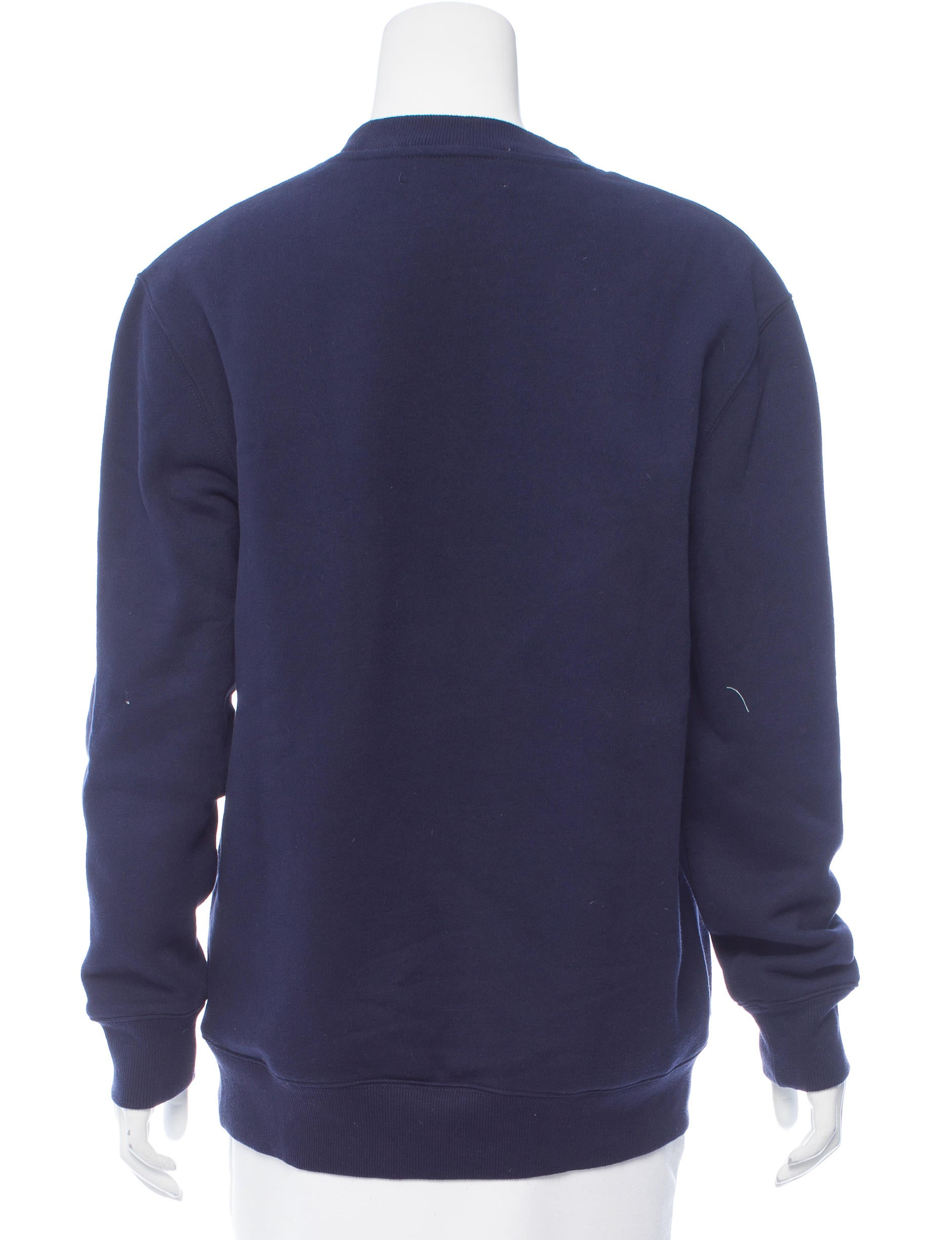 Absolute comfort and casual style go hand in hand with crew neck sweatshirts. Made with a soft and comfortable construction and a pullover design, women's crew neck sweatshirts come in a variety of fits and styles to accommodate your fashion needs. Crewneck sweatshirts are ideal for anytime of year.
