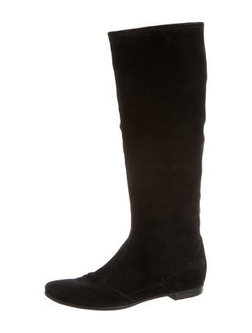 Round-Toe Suede Boots