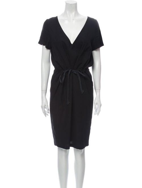 Samuji V-Neck Midi Dress Black