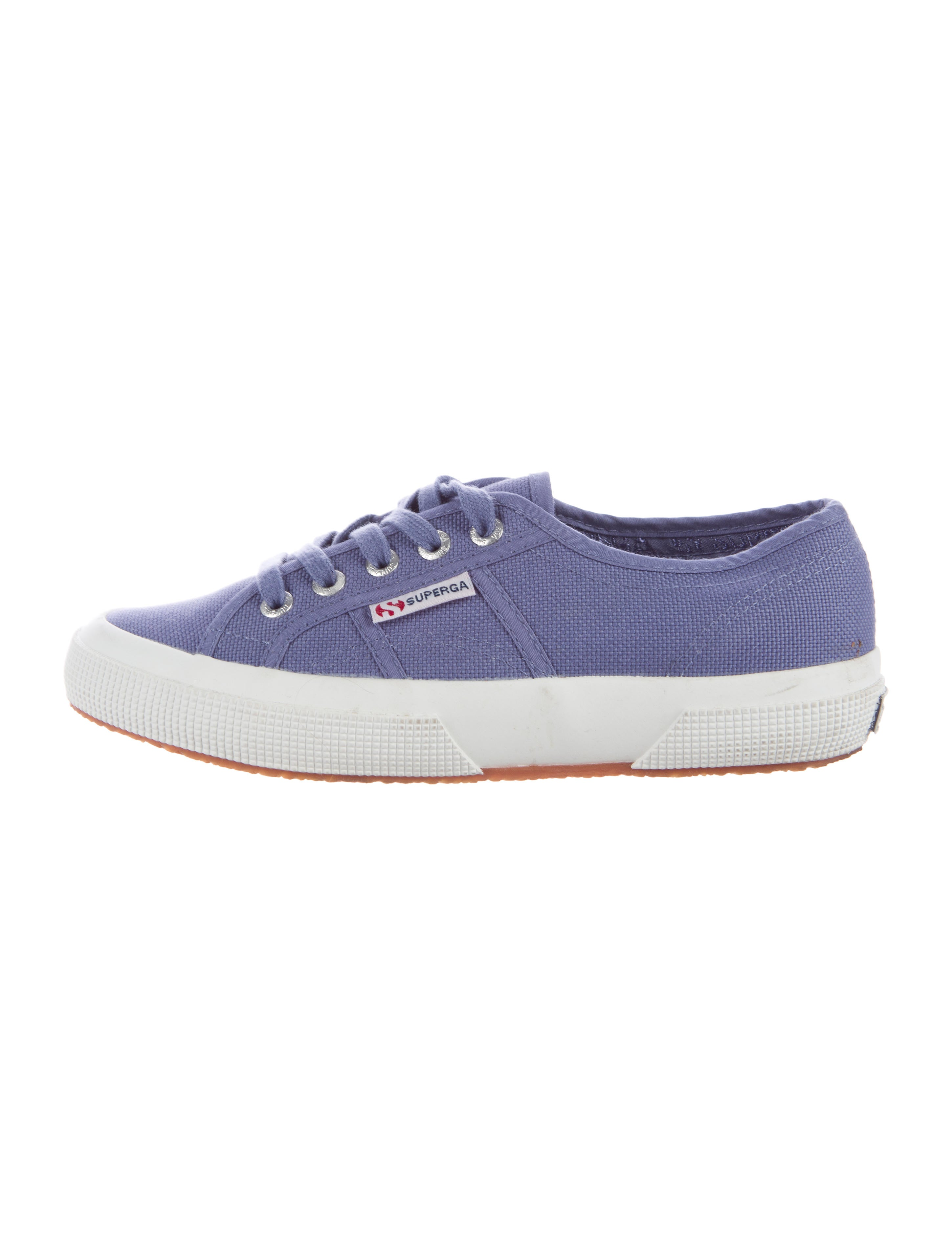 A casual lace-up canvas sneaker. Shoes must be in the condition you received them and in the original box. We understand the concerns and frustrations you may have, and will do our best to resolve any Womens Classic Canvas Plimsoll Shoes Casual Sneakers Tennis Lace Up Sizes 5 .