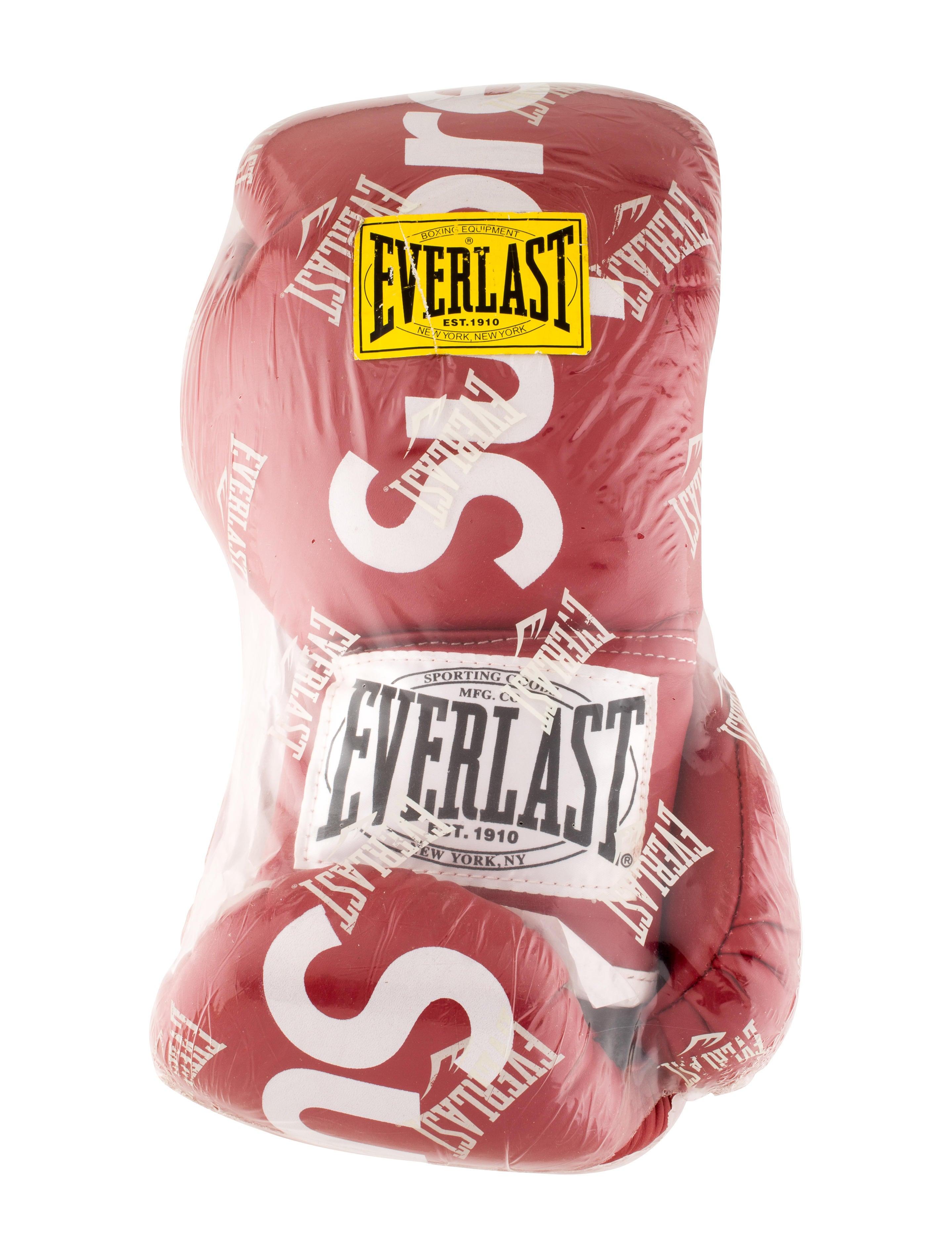 c0506c5e Supreme Everlast Boxing Gloves w/ Tags - Decor & Accessories ...