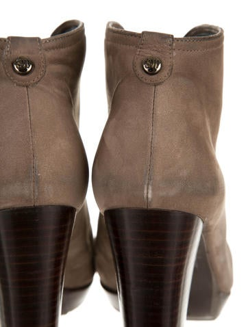 Centerfold Boots