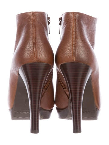 Leather Gran Booties
