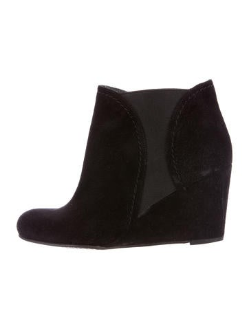 Stuart Weitzman Suede Ankle Boots None