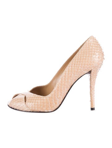 Stuart weitzman fish scale peep toe pumps shoes for Fish scale boots