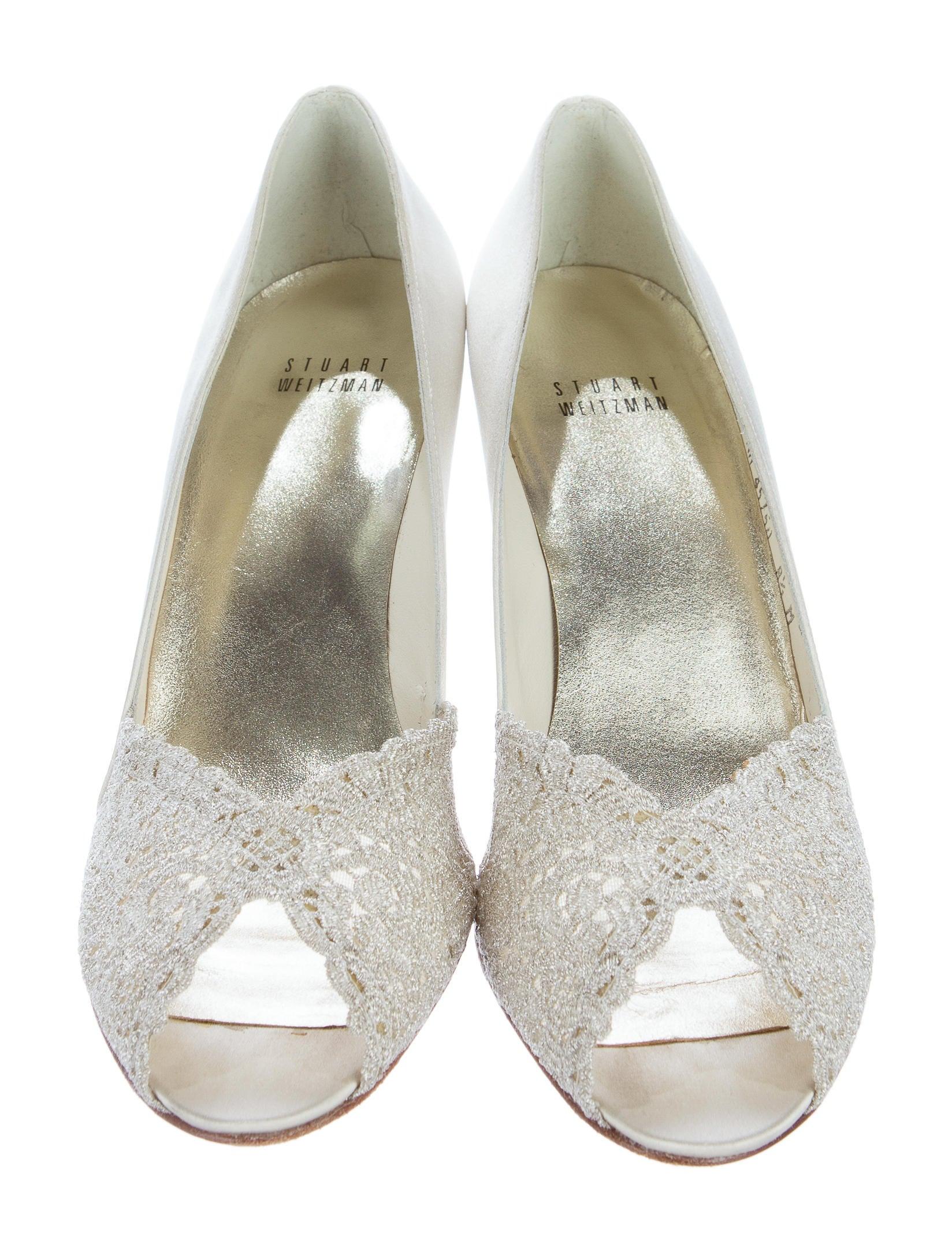 stuart weitzman satin peep toe pumps shoes wsu27029. Black Bedroom Furniture Sets. Home Design Ideas