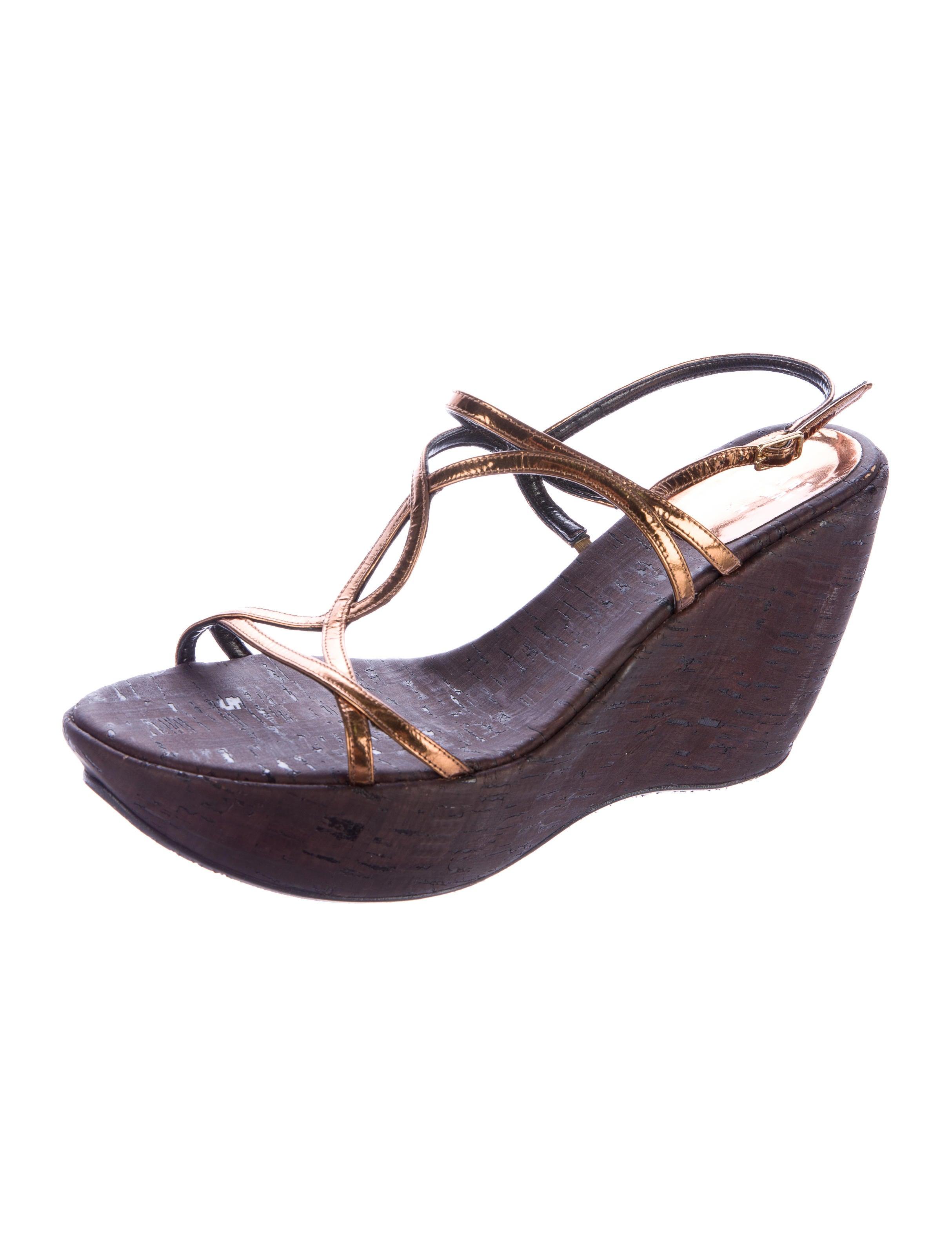 stuart weitzman metallic wedge sandals shoes wsu29611