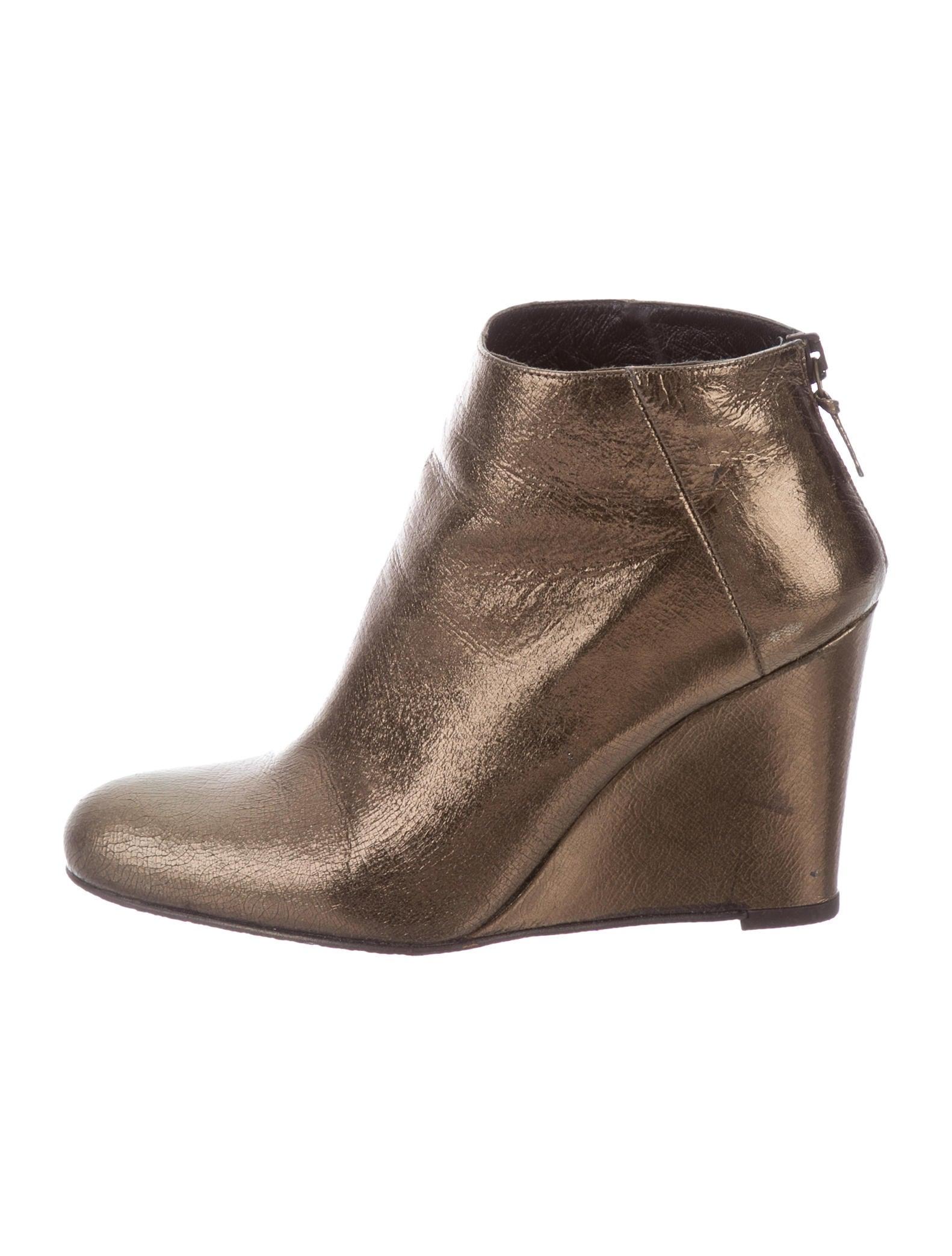 stuart weitzman shoezy wedge ankle boots shoes