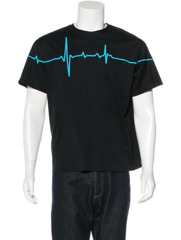 Heartline Graphic T-Shirt