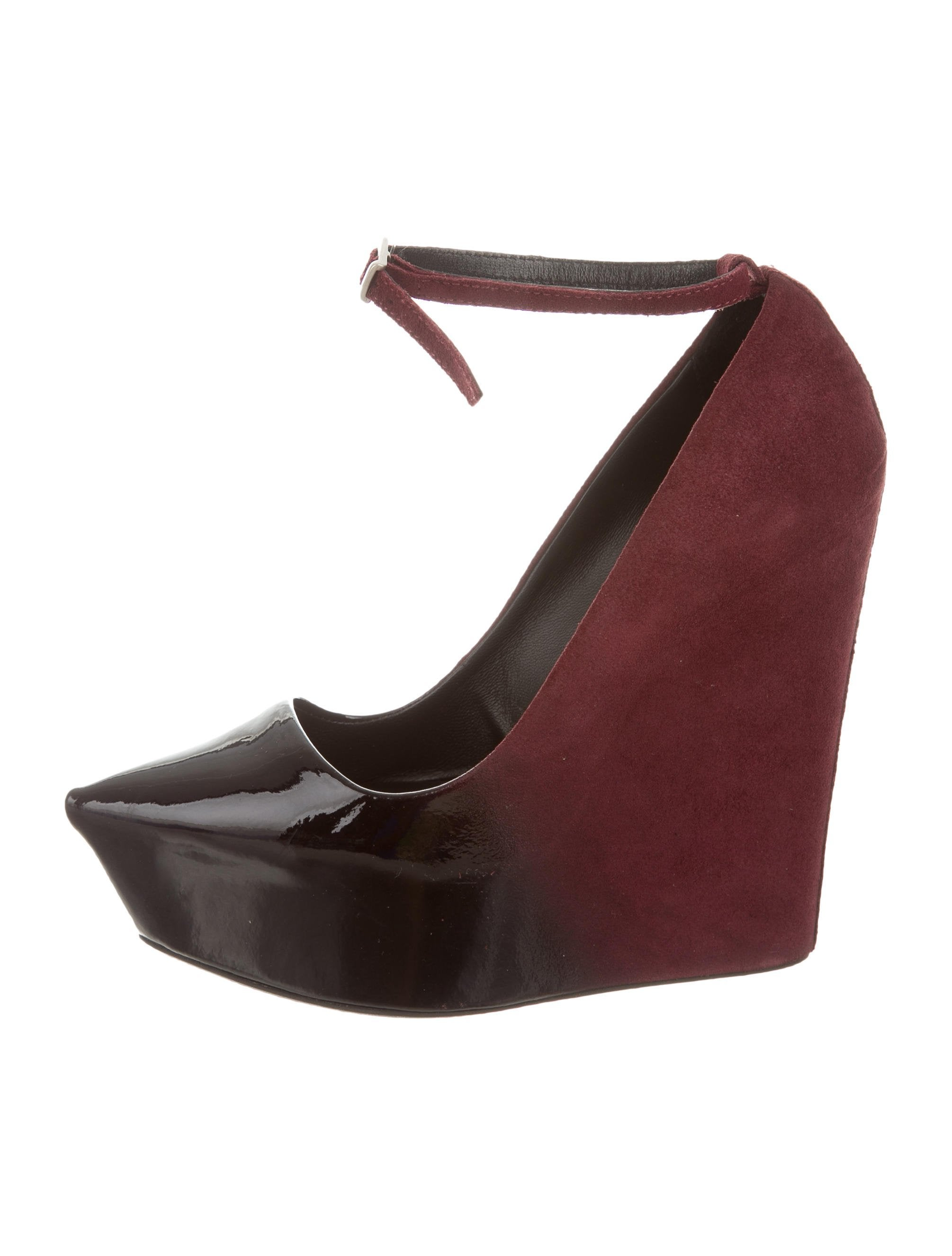 theyskens theory patent leather pointed toe wedges
