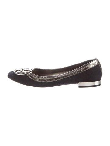 ae1034476cb3c2 Tory Burch Woven Logo Flats - Shoes - WTO103368