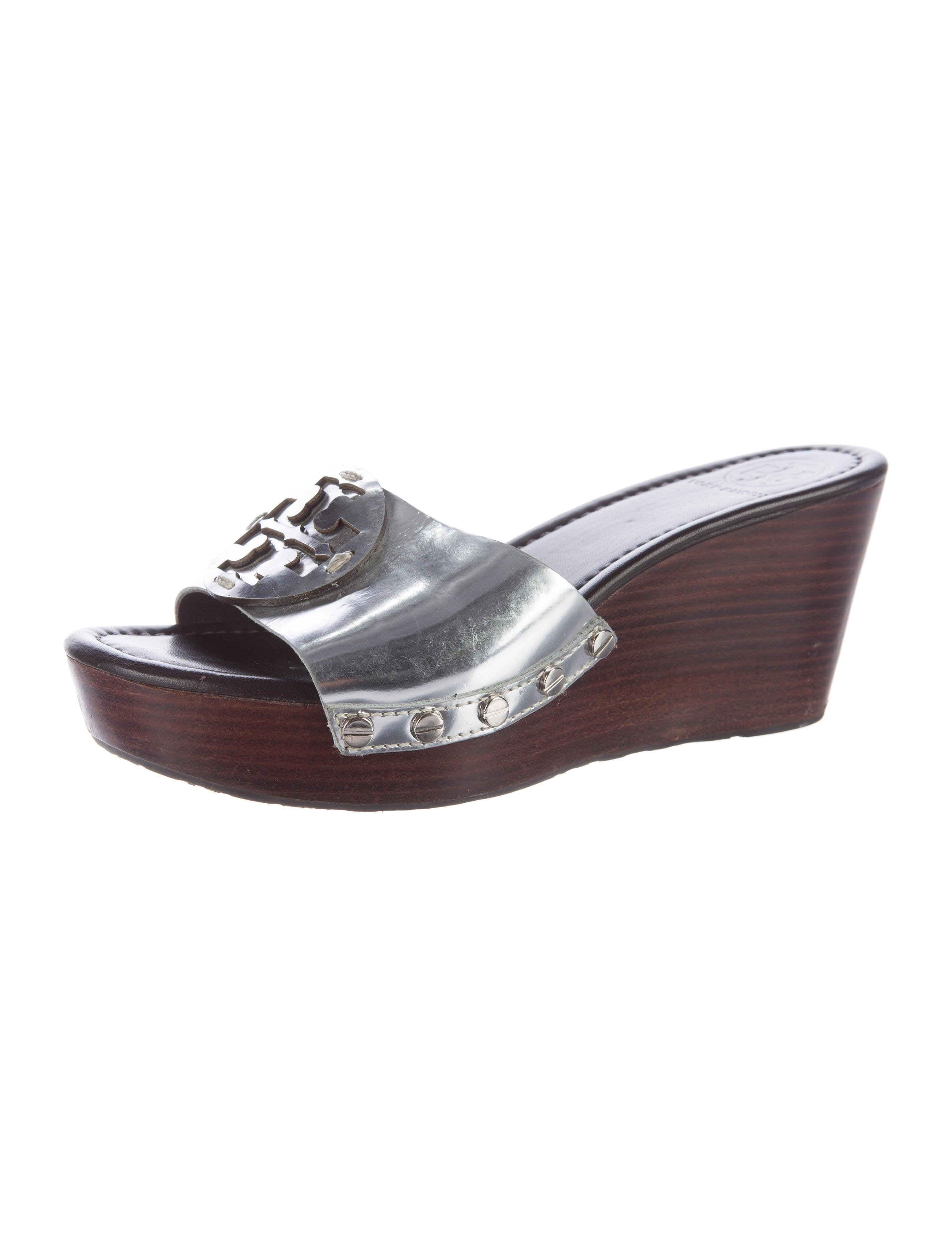 burch metallic wedge sandals shoes wto104070