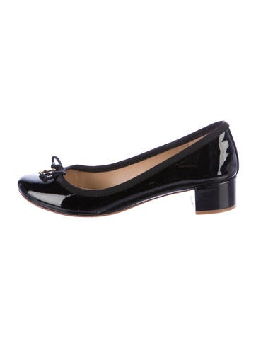 Tory Burch Patent Leather Rounded-Toe Pumps None