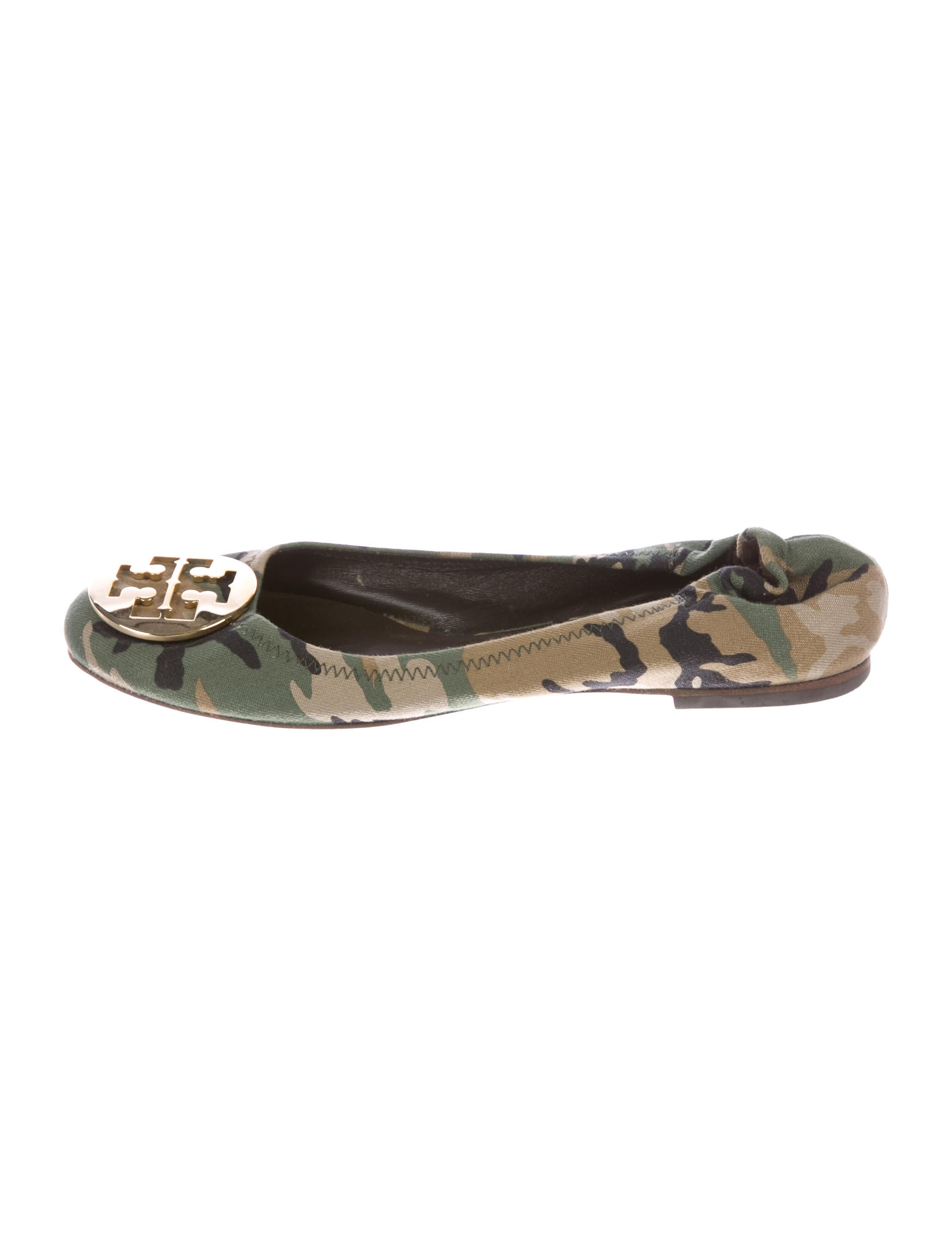 ab0ca1056ac2 Tory Burch Reva Camouflage Flats - Shoes - WTO126602