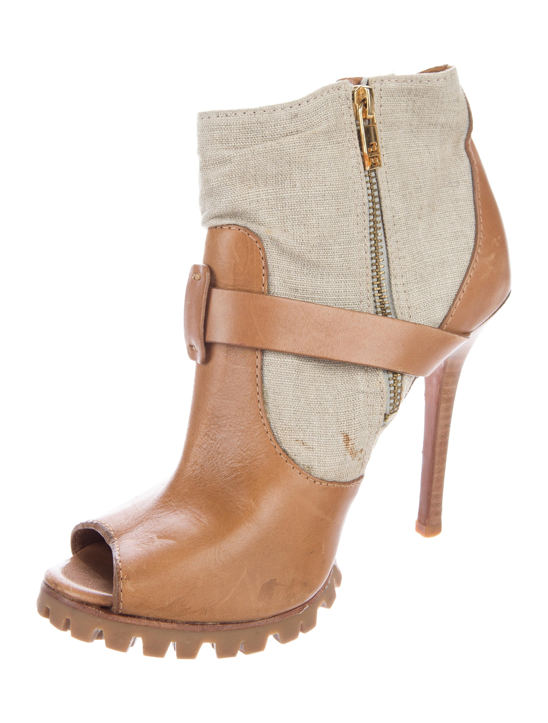 Peep Toe & Open Toe Booties | Charlotte Russe. Sort By: Apply. Showing (17 Items) Shoes / Boots & Booties / Open Toe Booties Peep Toe Ankle Strap Sandals Price $ BUY 1, GET 1 FOR $ Bamboo Double Buckle Booties Qupid Laser Cut Buckled Ankle Boots Price $ BUY 1, GET 1 FOR $ Open Toe Booties Price $