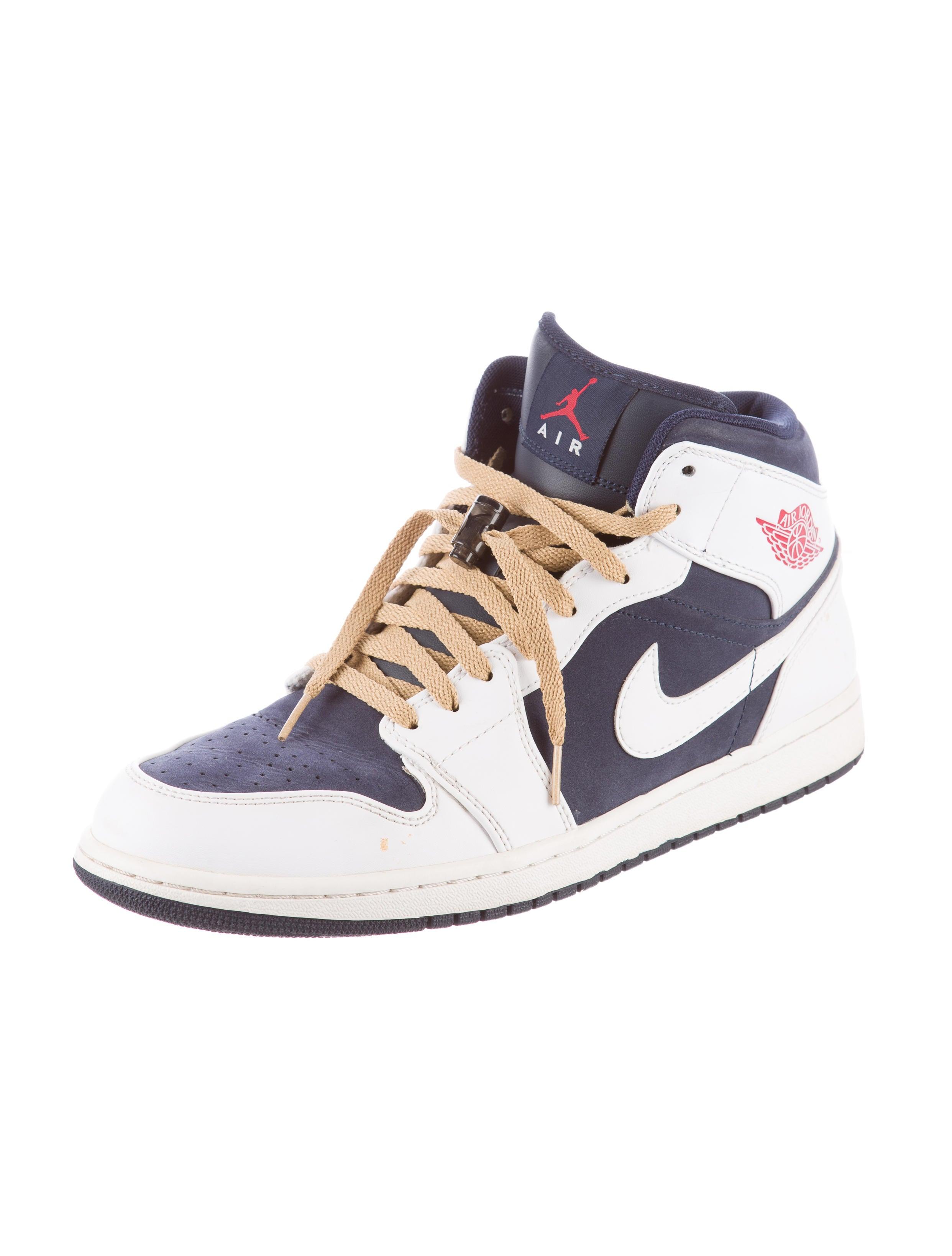 nike air jordan 1 mid sneakers shoes wu220494 the. Black Bedroom Furniture Sets. Home Design Ideas