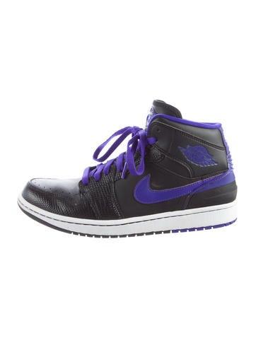 Nike Air Jordan 1 Retro Sneakers None