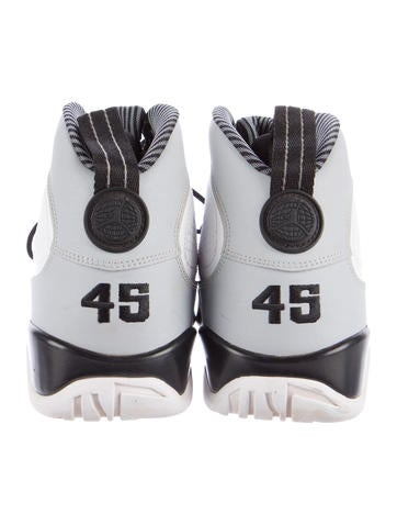 Air Jordan 9 Retro Baron Sneakers