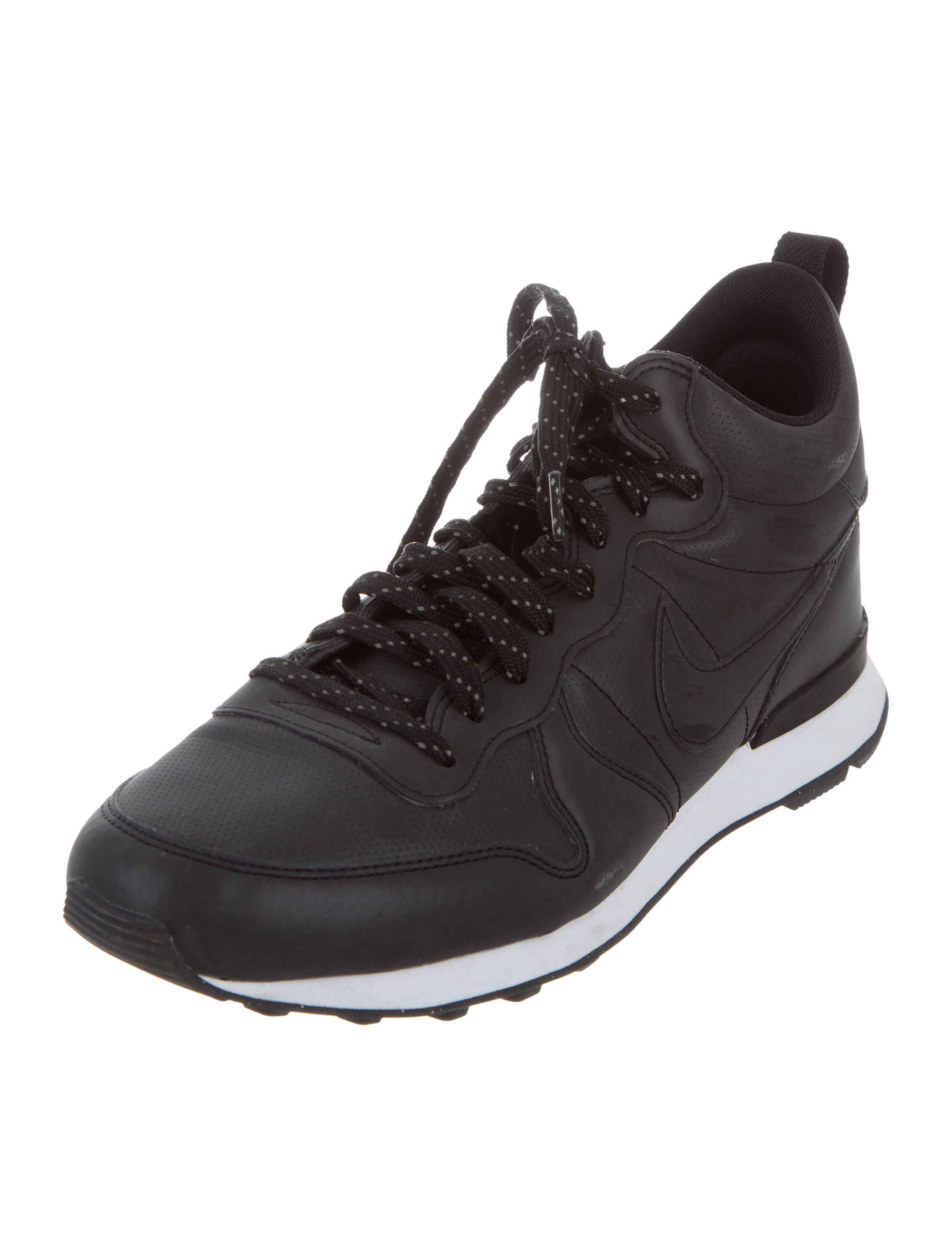 Nike Low-Top Running Sneakers - Shoes - WU221247 | The RealReal