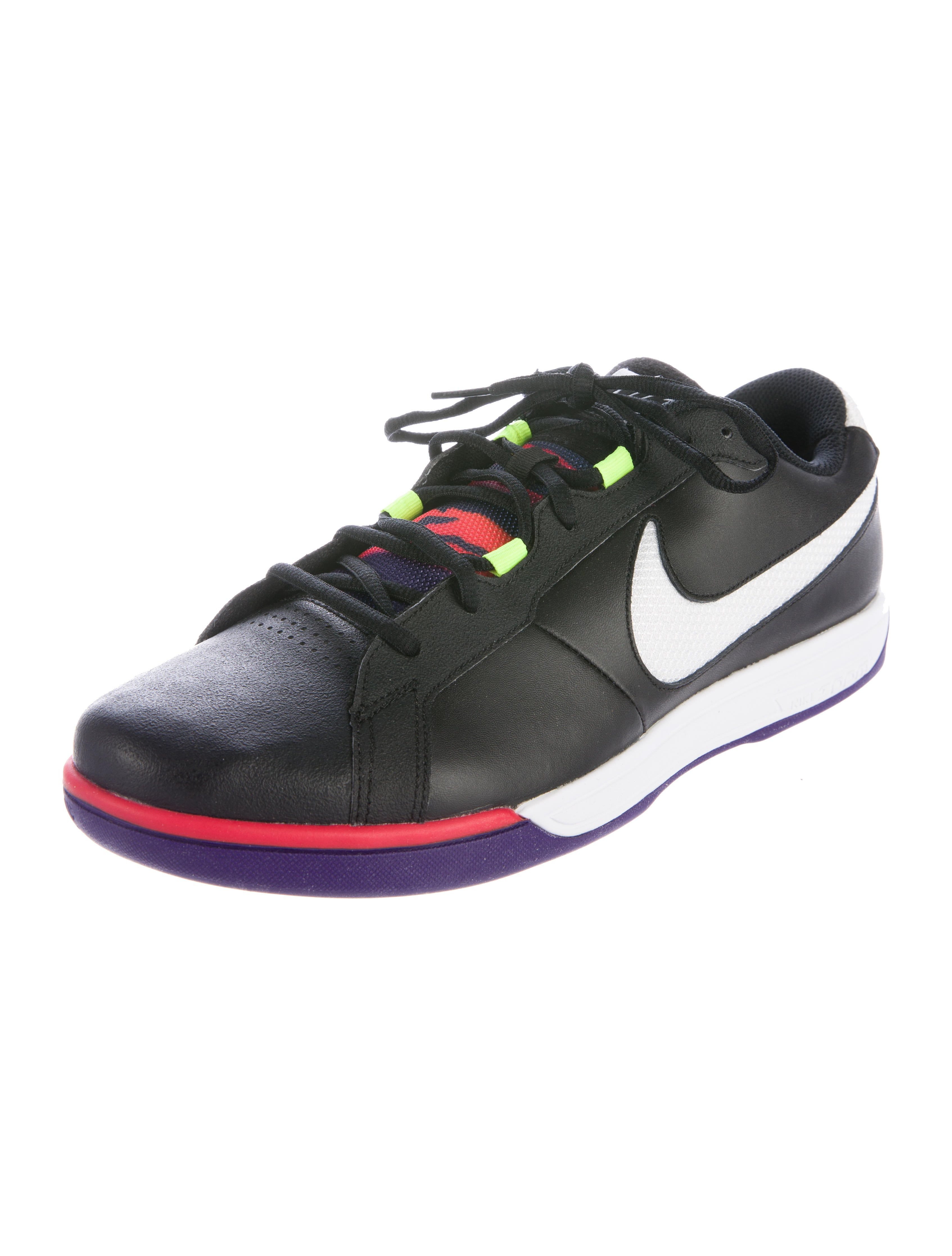 nike tennis classic sneakers shoes wu221333 the realreal. Black Bedroom Furniture Sets. Home Design Ideas