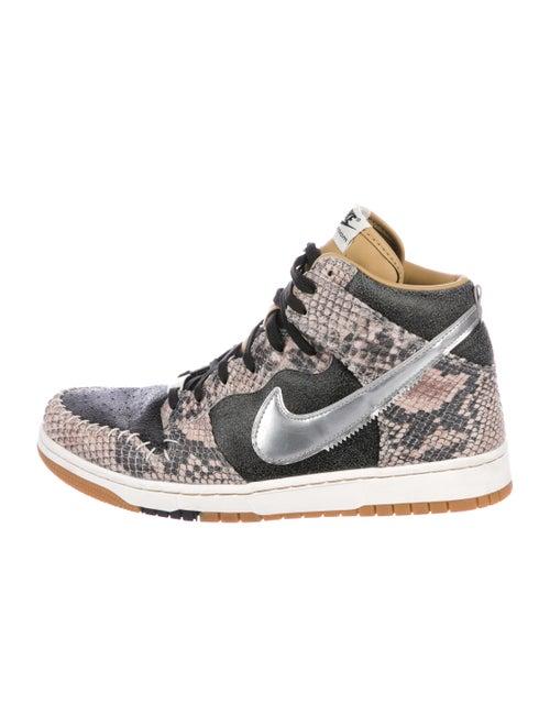 sports shoes 2da80 1b489 Nike Dunk CMFT PRM QS Snake Skin Sneakers - Shoes - WU223252 | The ...