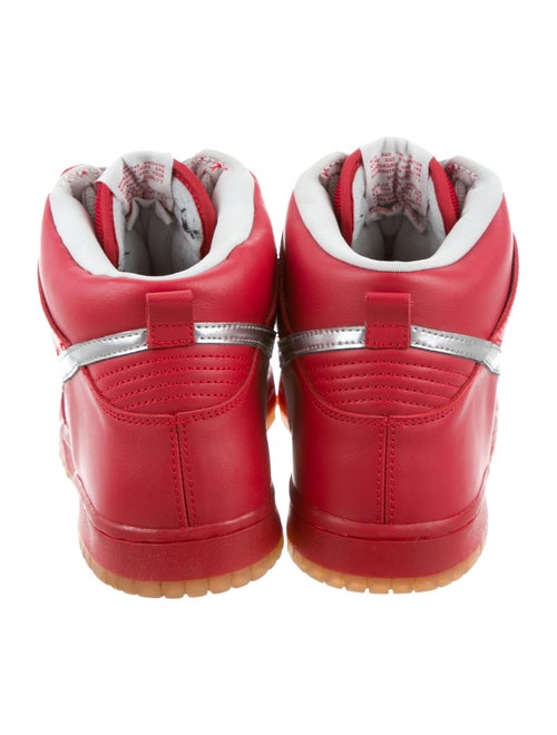 new concept 38025 0212c Nike Dunk SB Mork & Mindy Sneakers - Shoes - WU224404 | The ...
