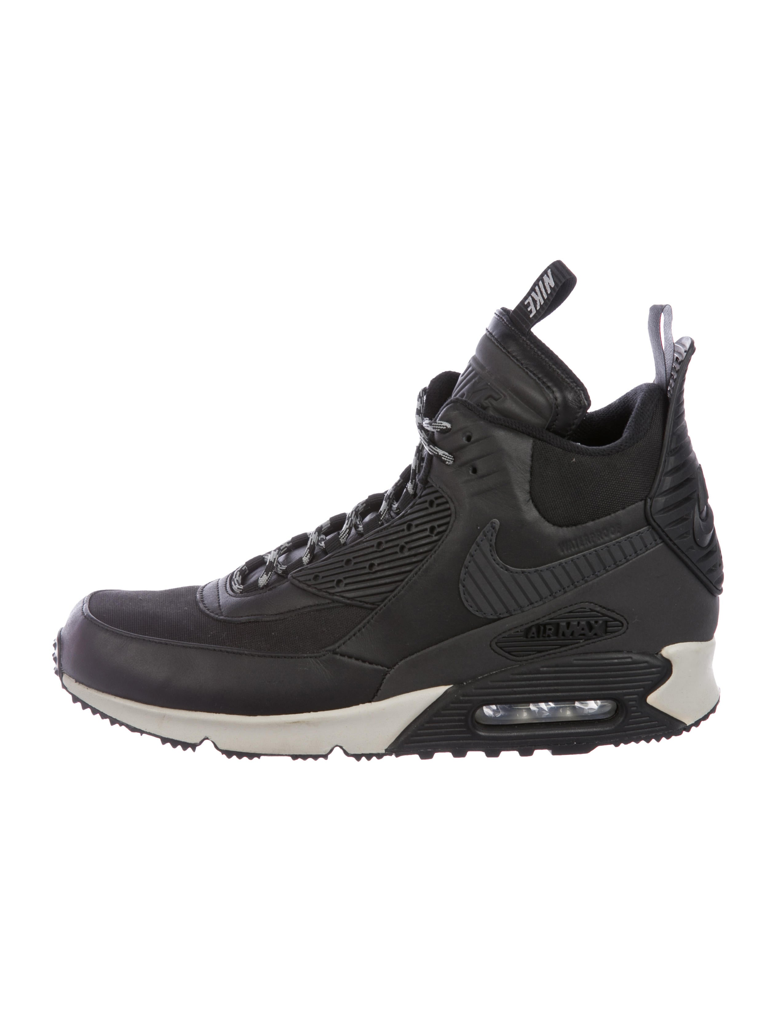 buy popular 82665 edbfe Nike Air Max 90 High-Top Sneakerboots - Shoes - WU230474   The RealReal