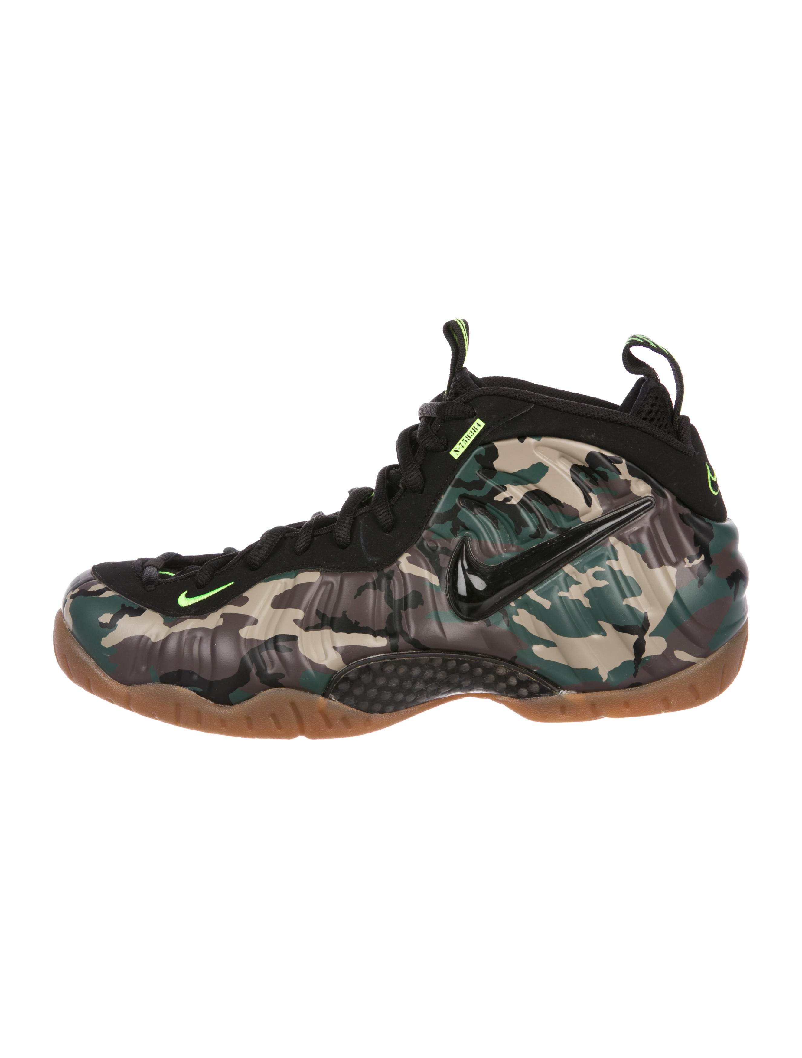 7eb13b5312ecf Nike Air Foamposite Pro  Army Camo  Sneakers - Shoes - WU231241 ...