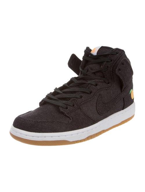 best service ee6ac ee7d2 Nike SB Dunk High Momofuku Sneakers - Shoes - WU231555 | The ...