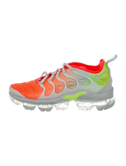 3982e1b69dc18 ... 3a6ba53214622 Nike Air Vapormax Plus Sneakers w Tags - Shoes - WU231599  ...