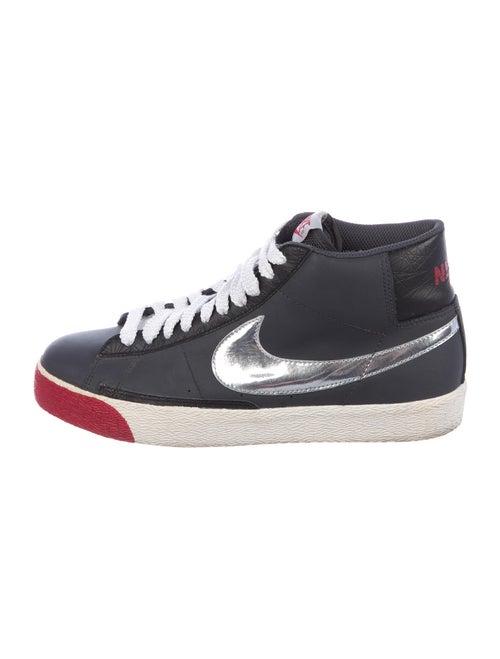 Nike Blazer Sneakers Grey