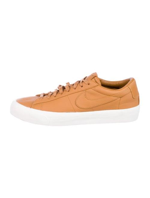 Nike Blazer Sneakers Brown - image 1