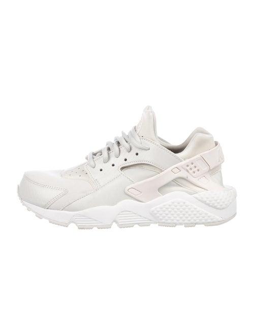 Nike Nike Air Huarache Run Chunky Sneakers