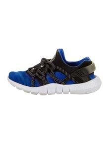 Nike Huarache NM Athletic Sneakers