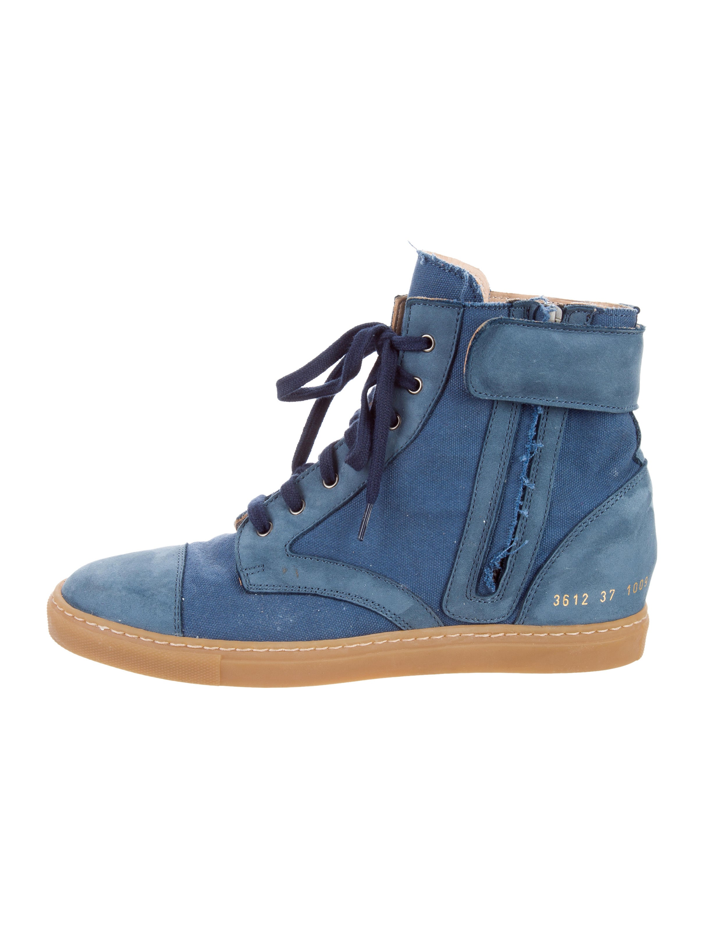 woman by common projects Buy woman by common projects clothing & accessories and get free shipping  & returns in usa shop online the latest fw18 collection of woman by.