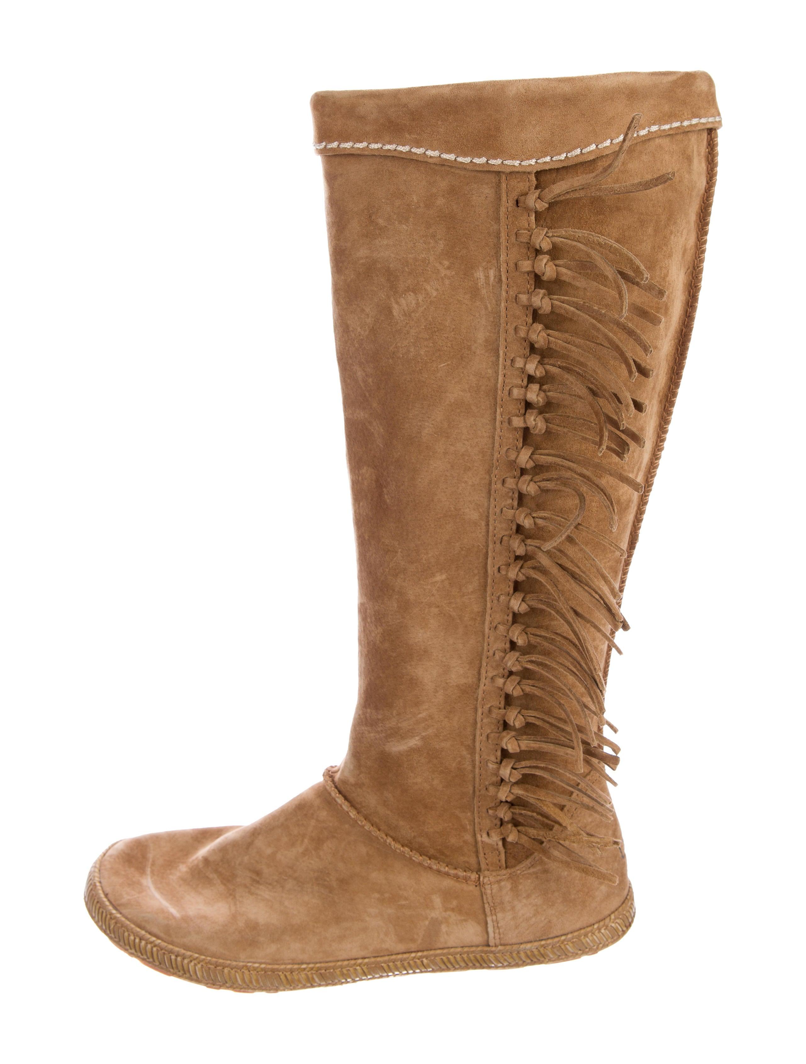 Mammoth Fringe Boots