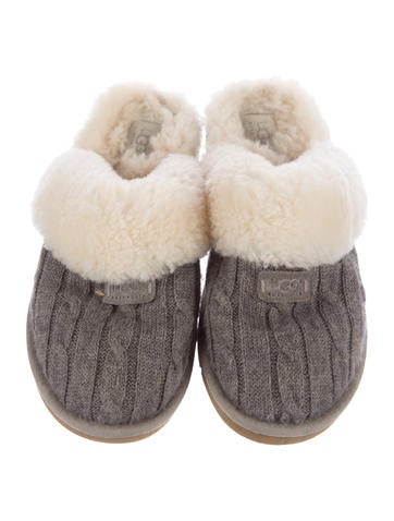 Knit Round-Toe Slippers