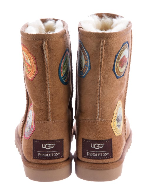 0cb4ddf5cbb UGG Australia Classic Shortie Patchwork Boots w/ Tags - Shoes ...