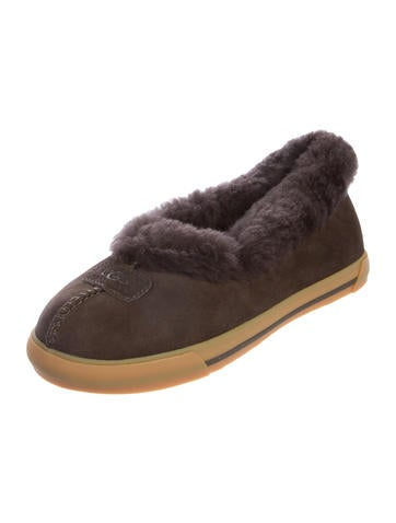 how to clean shearling slippers