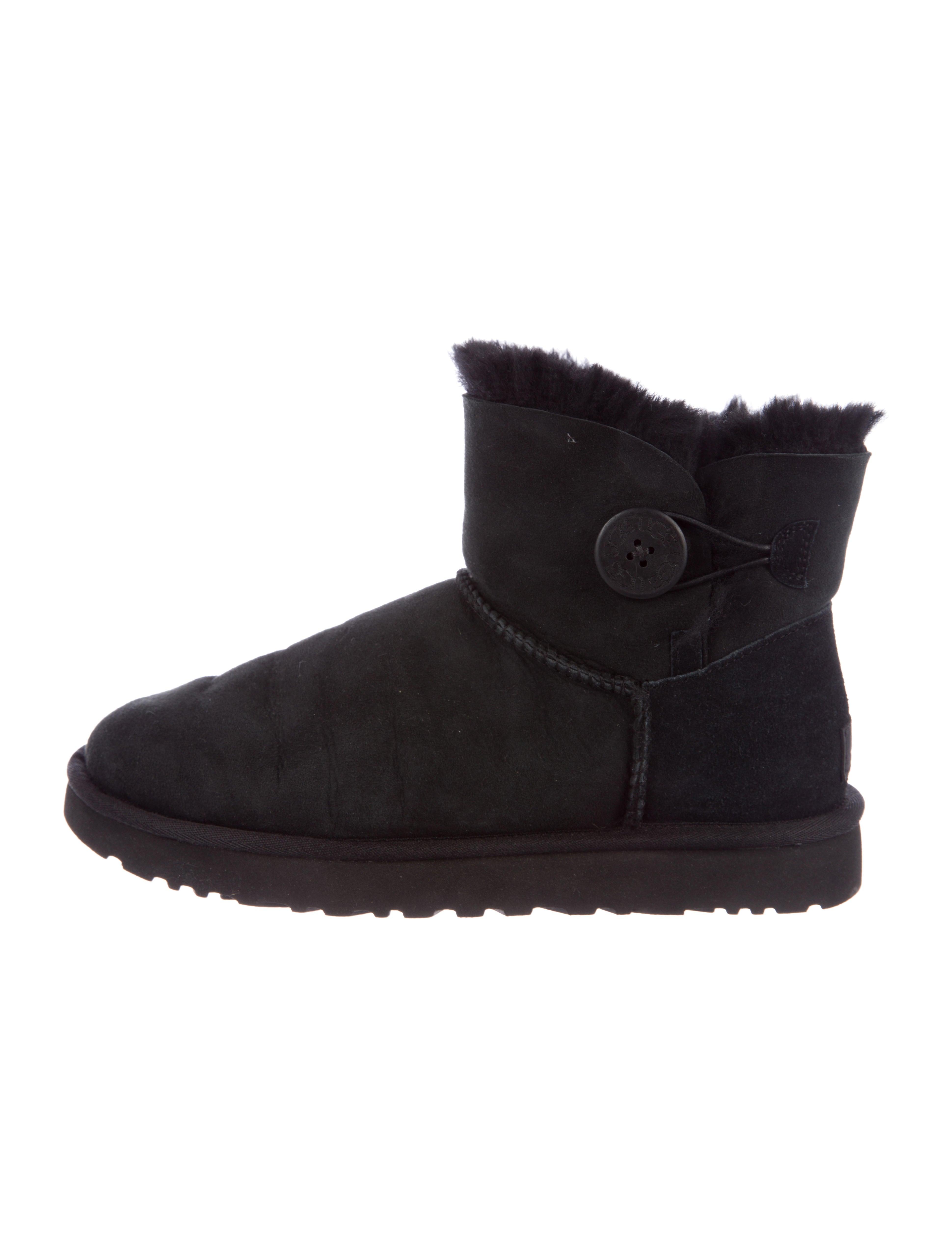 UGG Australia Shearling-Trimmed Suede Boots sale nicekicks 30V5Vibe