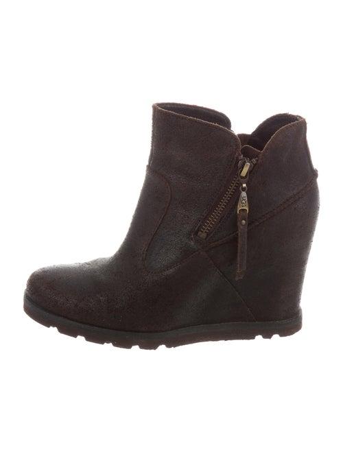 UGG Nubuck Boots Brown