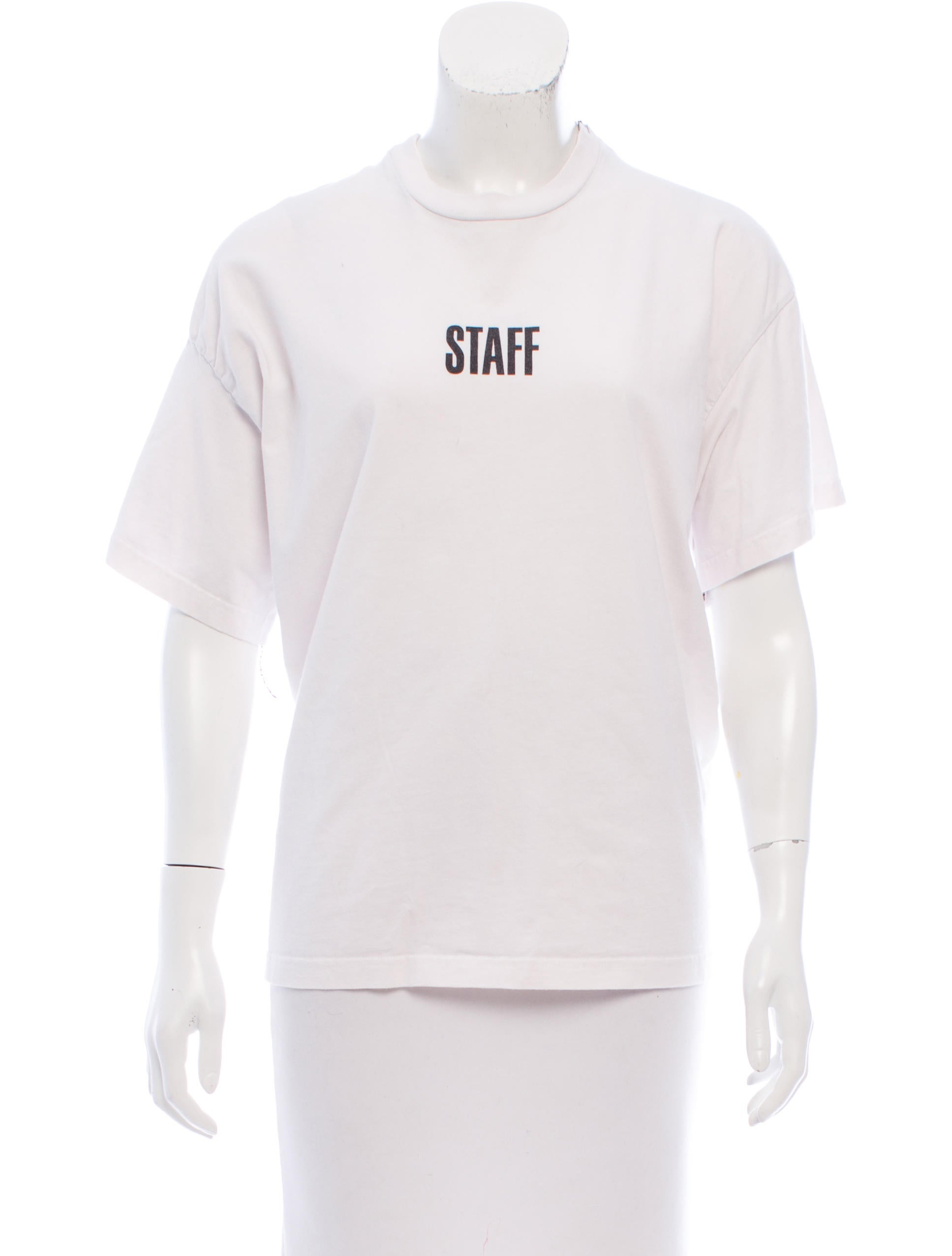 Vetements x hanes 2017 staff t shirt clothing for Vetements basic staff t shirt