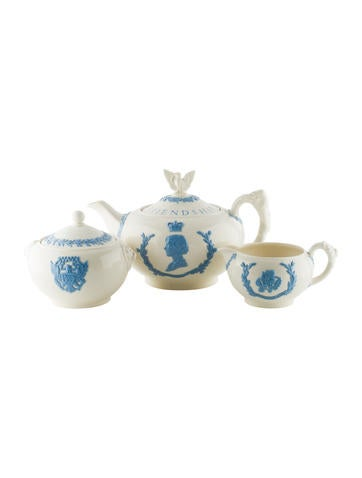 Wedgwood Commemorative Sovereign Tea Sett None