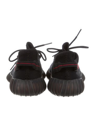 2017 350 V2 Boost Sneakers w/ Tags