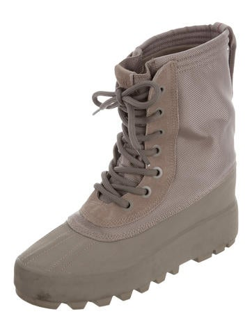 950 W Season 1 Boots
