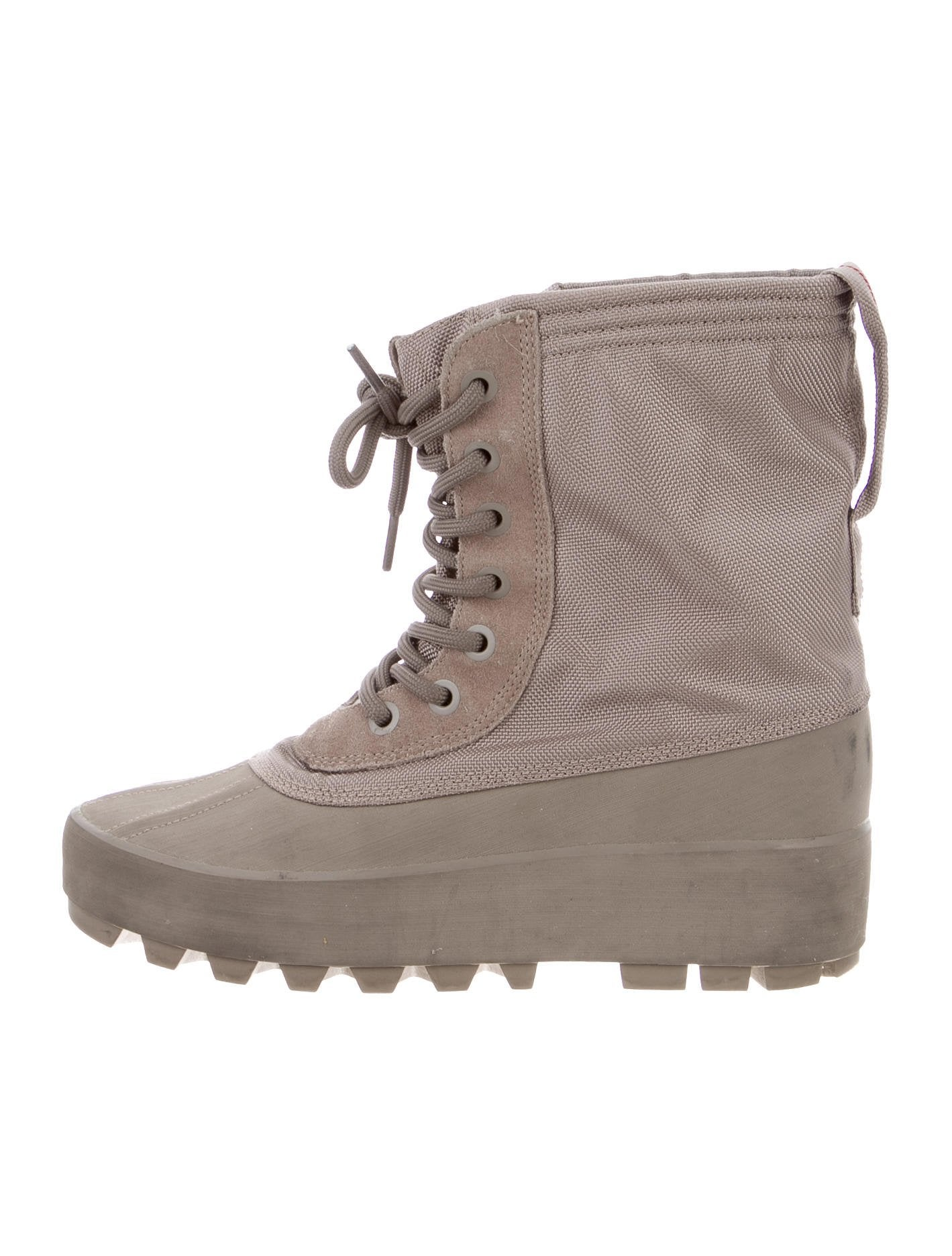 Perfect Yeezy 950 W Boots - Shoes - WYEEZ20420 | The RealReal