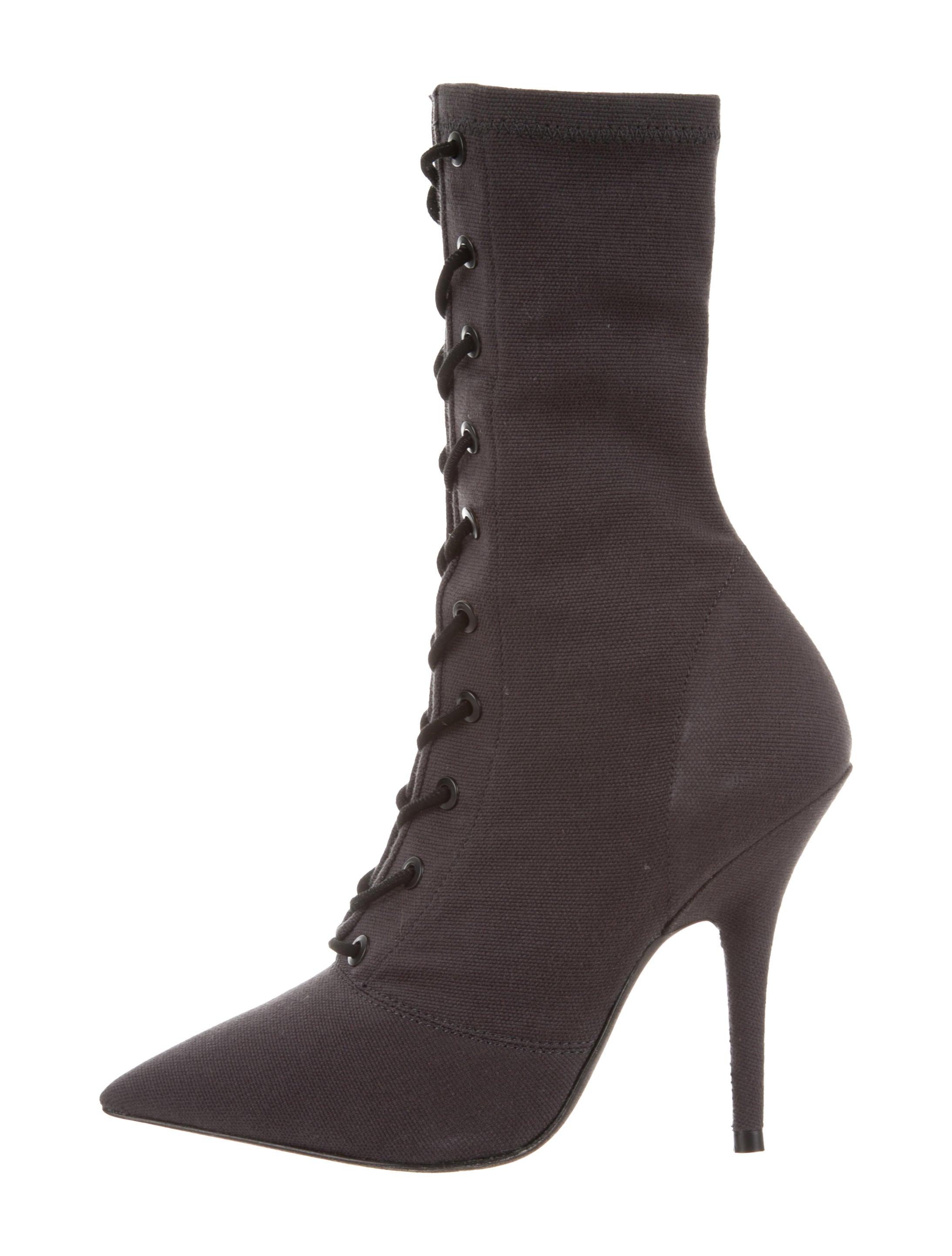 2ccffbd8b812 Yeezy Season 6 Ankle Boots w  Tags - Shoes - WYEEZ20920