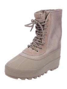 57bcd4f68 Yeezy. 950 Season 1 Boots