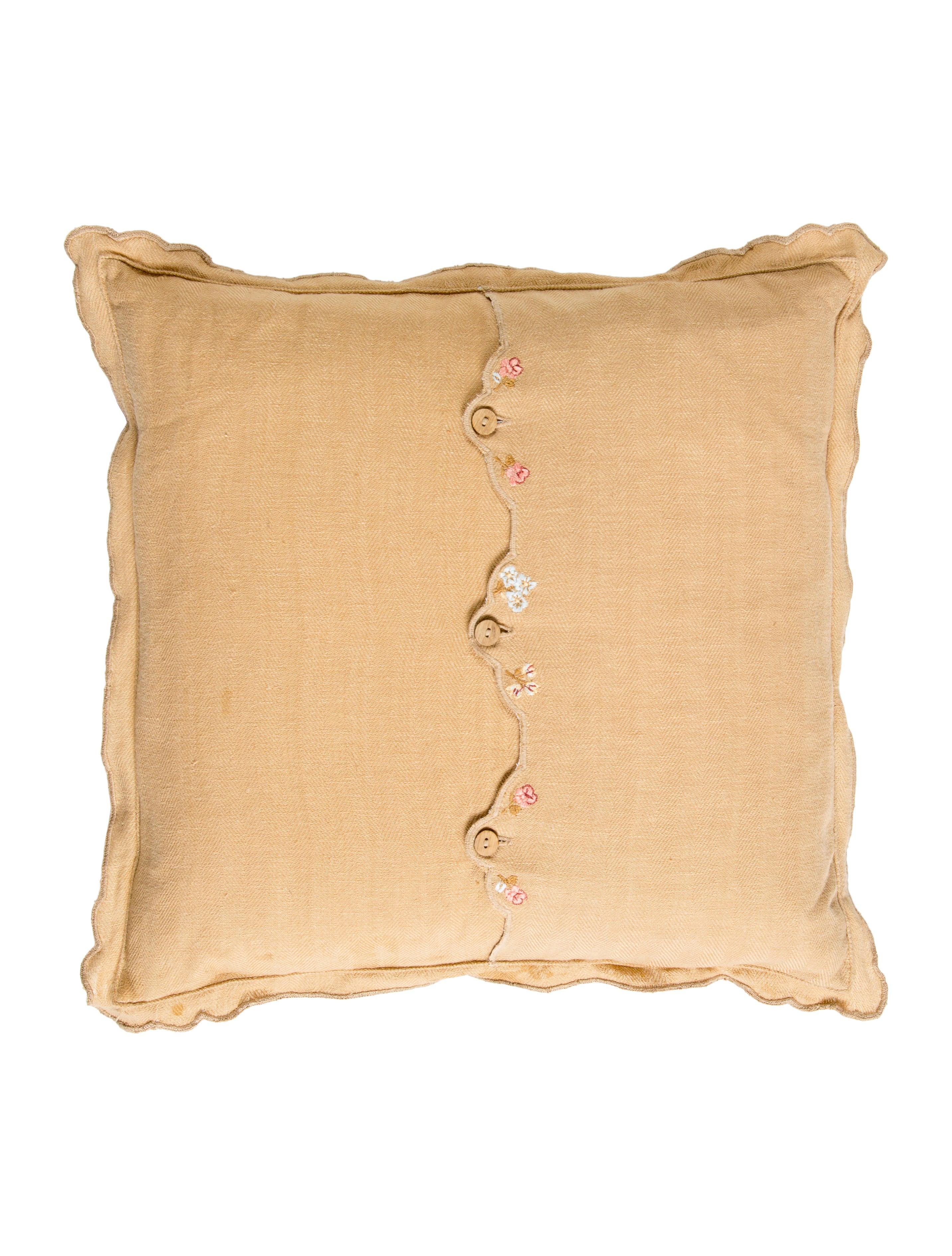 Ralph Lauren Assorted Throw Pillows - Bedding And Bath - WYG22124 The RealReal