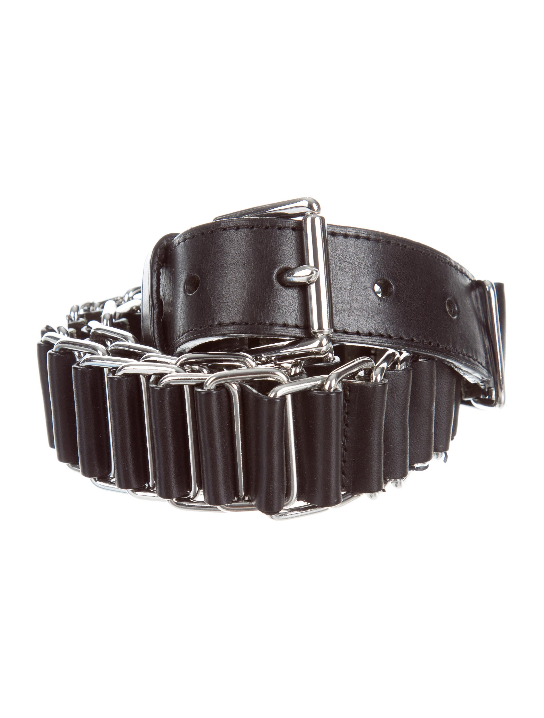 Shop BCBG's selection of belts for women. Browse a variety of women's fashion belts, including studded belts, fringe belts and more to find the perfect style for you. Shop BCBG today! BCBG.